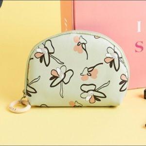 IPSY Glam Bag Plus - April 2020
